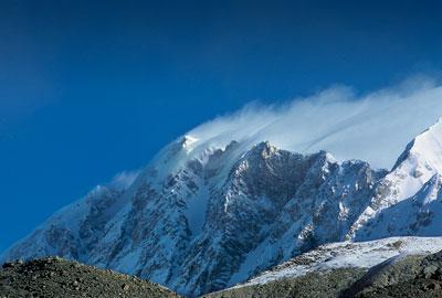 La parete sud-ovest dello Shisha Pangma