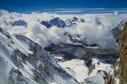 Climbing the South-West face of Shisha Pangma (8.013 m), Tibet