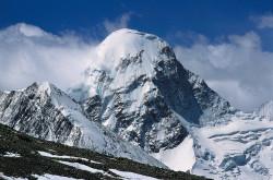 Il versante tibetano del Pumori (7.161 m)