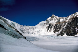 The Everest North Col (7.000 m) and the Changtse (7.543 m) as seen from Rapiu-La, Tibet