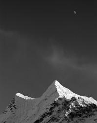 Cima Innominata con Luna, Himalaya Nepal INFO