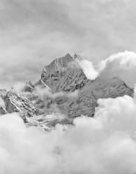 Thamserku, Nuvole, Himalaya, Nepal INFO