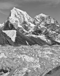Cholatse, Taboche e Ghiacciaio Ngozumpa, Himalaya, Nepal INFO