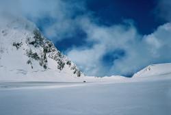 Gasherbrum-La (6.500 m) e tenda del Campo II, Pakistan
