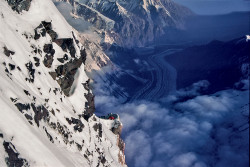 Tende del campo IV a 7.900 metri sullo Spigolo Nord del K2 (8.611 m), Cina