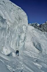Christian Kuntner durante la scalata del Manaslu (8.163 m), Nepal
