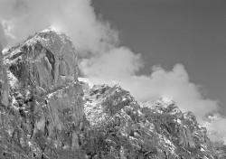 Precipizio degli Asteroidi, Val di Mello, Italia INFO