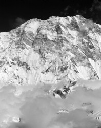 Annapurna I, Parete Sud con Nuvole, Himalaya, Nepal INFO