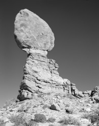 Balanced Rock, Arches National Park, Utah, U.S.A.