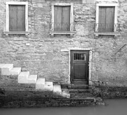Porta con Tre Finestre, Corte Nova, Venezia, Italia INFO