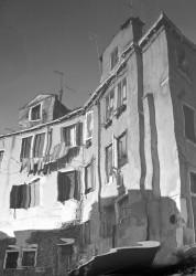 Riflessi, Canale Riello, S. Pietro di Castello, Venezia, Italia INFO