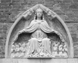 Madonna di Marmo, Chiesa di San Tomà, Venezia, Italia INFO
