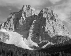 Pelmo, Parete Nord, Dolomiti, Italia INFO