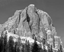 Tofana di Rozes, Parete Sud, Dolomiti, Italia INFO