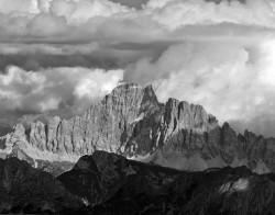 Monte Civetta da Passo Ombretta, Tramonto, Dolomiti, Italia  INFO