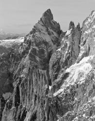 Aiguille Noire de Peuterey e Aiguille de la Brenva, Gruppo del Monte Bianco, Italia INFO