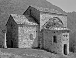 Abbazia di S. Pietro al Monte, Oratorio di S. Benedetto, Civate, Italia INFO